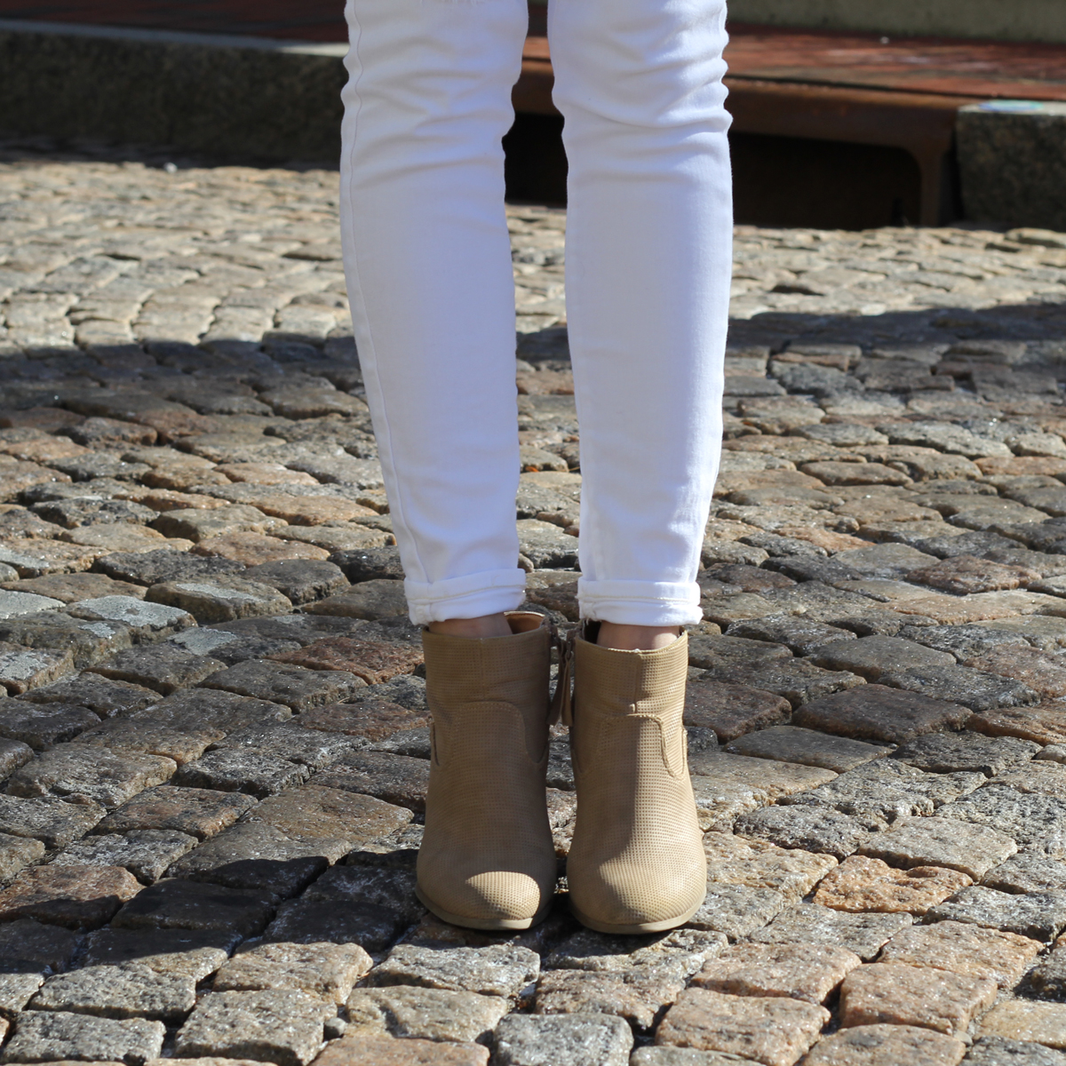White Skinny Jeans and Tan Booties